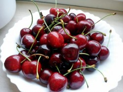 beach-healthy-summer-cherries-Favim.com-811022